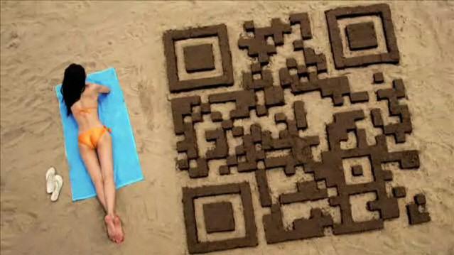QR Code realizado con arena de la playa
